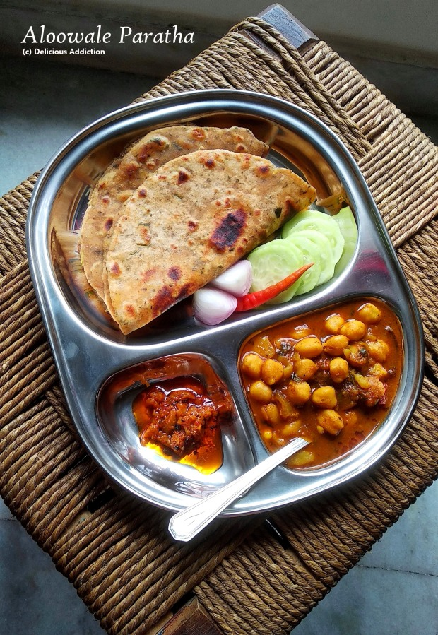 Aloowale Paratha (Indian Flat Bread with Spicy Potato)