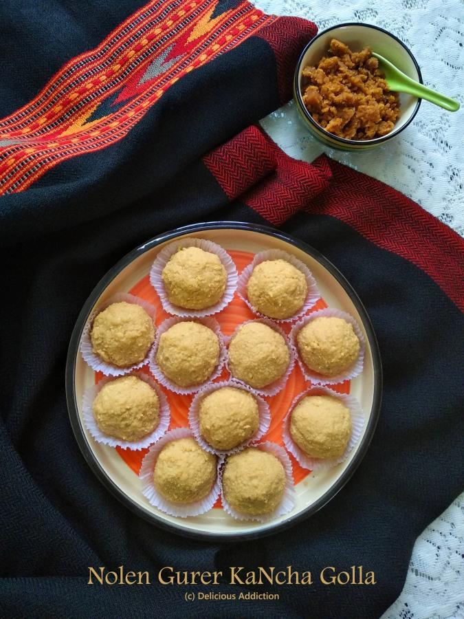 Nolen Gurer Kancha Golla (Bengali Traditional Sweet with Date PalmJaggery)