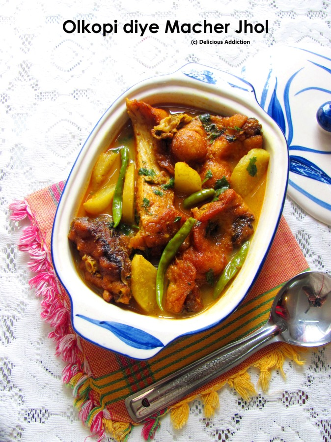 Olkopi diye Macher Jhol (Light Fish Curry with Turnip)