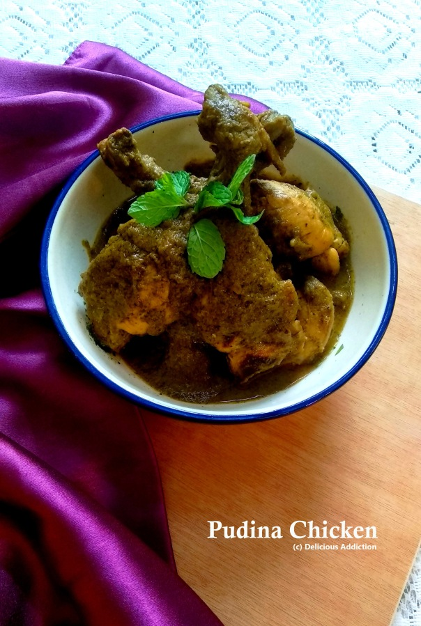 Pudina Chicken (Mint Flavoured Indian Green ChickenCurry)
