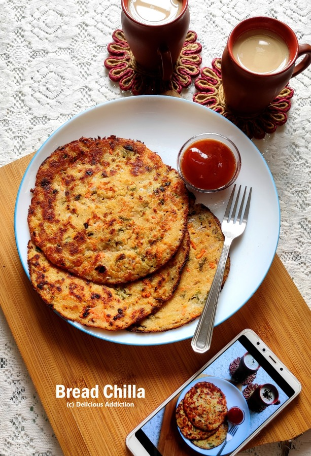 Bread Chilla / Chila (Indian Pancake with Vegetables & Bread)